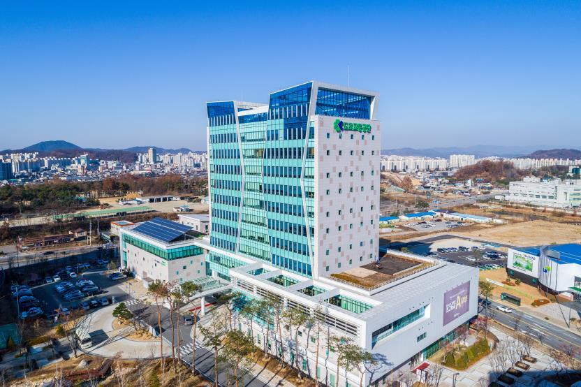 한국도로교통사옥.jpg